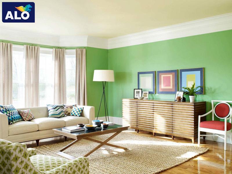 Màu xanh lá tạo sự mát mẻ cho ngôi nhà
