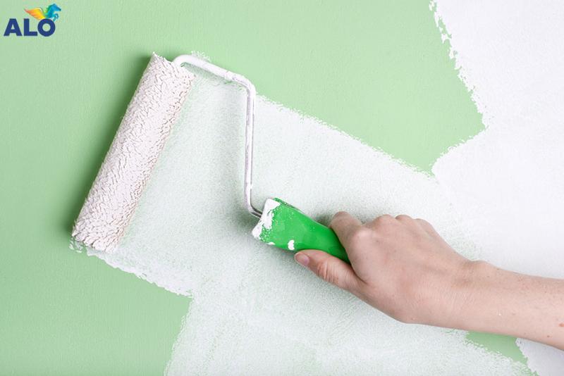 Thi công sơn nhà vào mùa mưa gặp khó khăn không