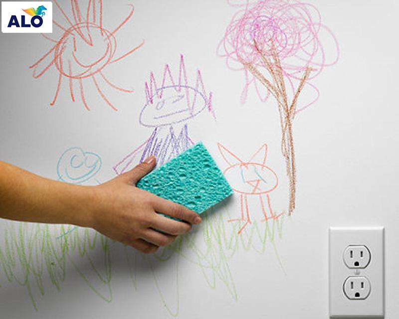 Mẹo loại bỏ vết bút sáp màu trên tường nhà