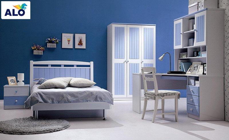 Gam màu xanh dương đậm phù hợp với không gian phòng ngủ